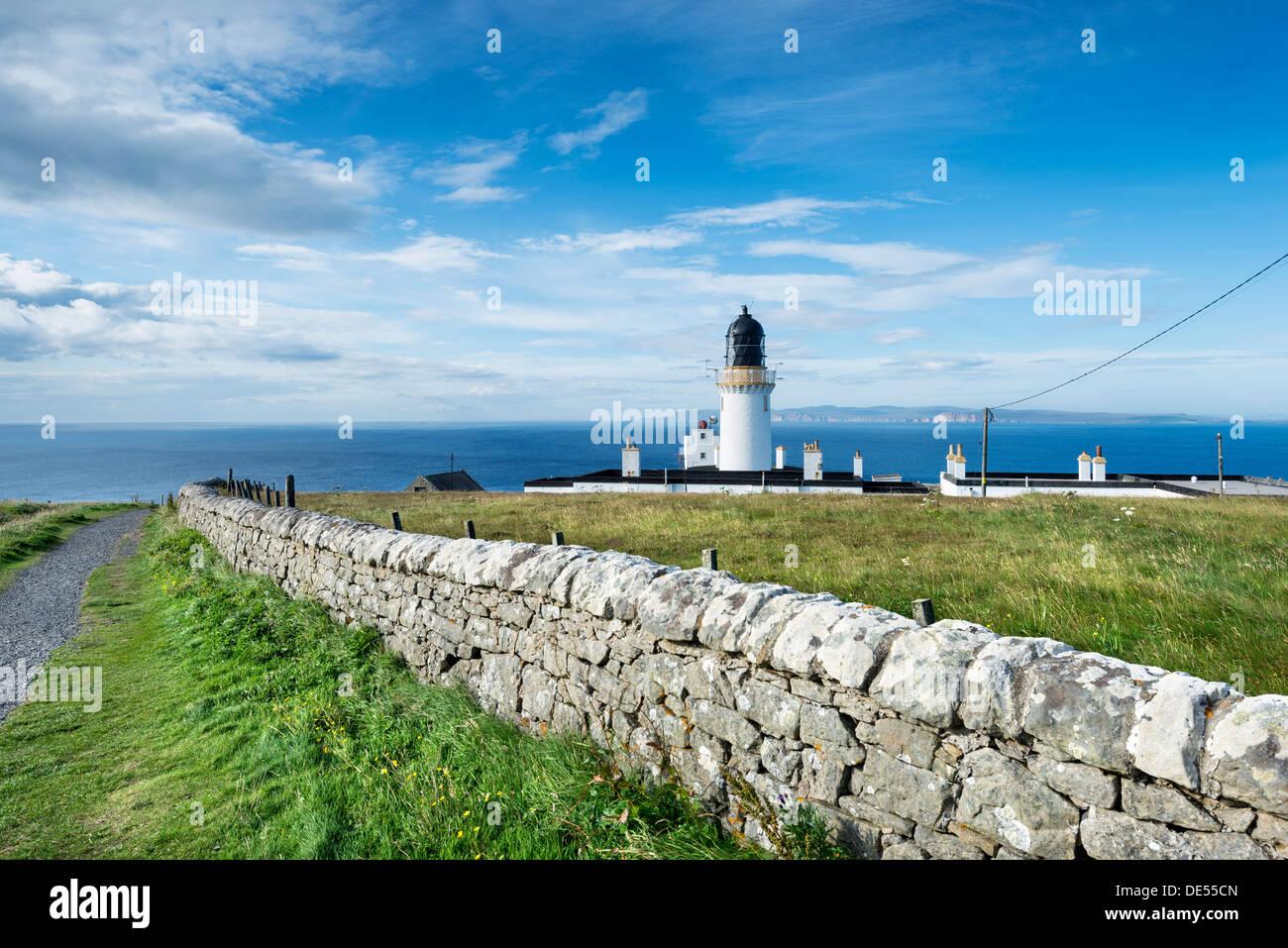 Dunnet Head lighthouse on the north coast of Scotland, Caithness, Scotland, United Kingdom, Europe - Stock Image