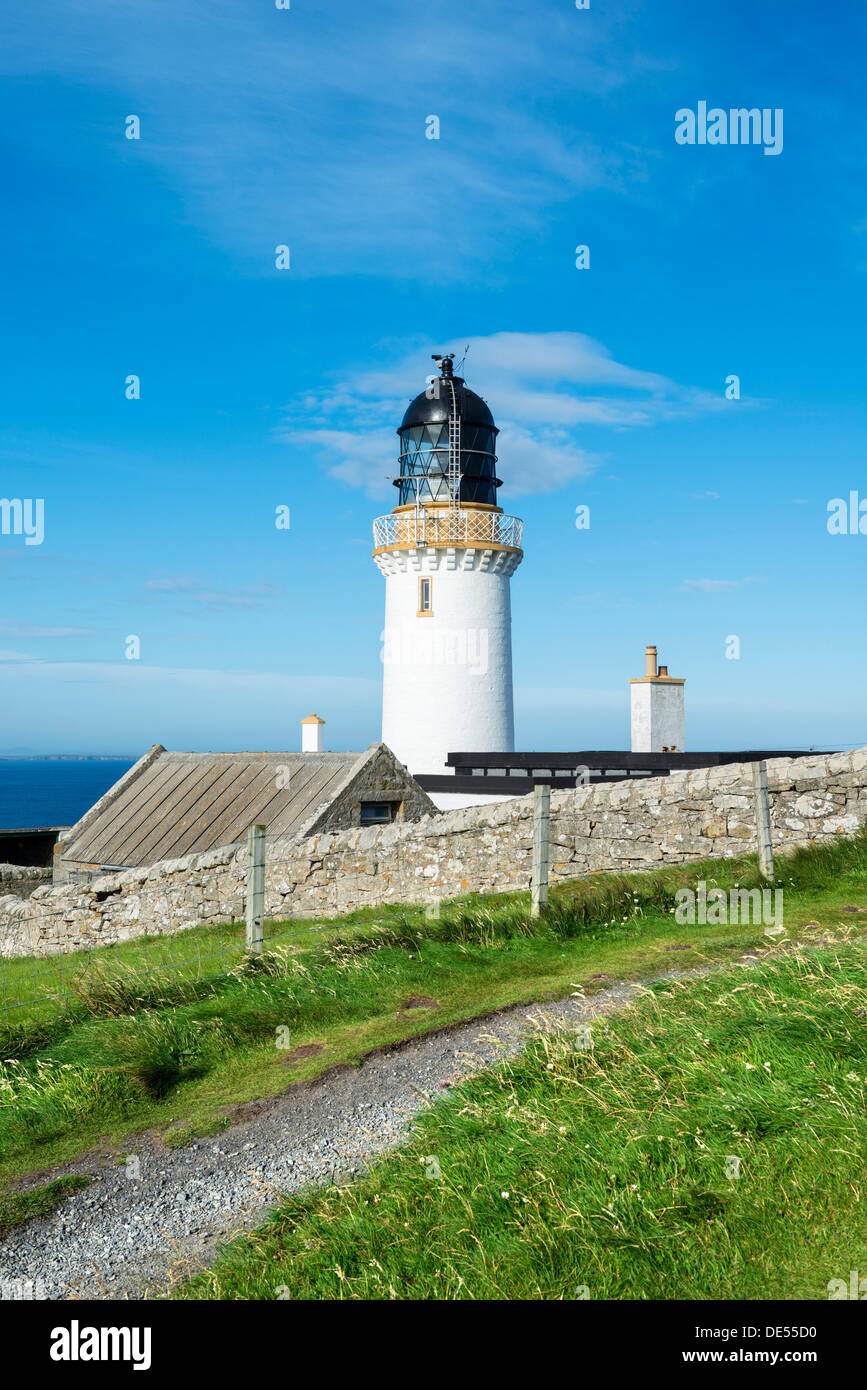 Dunnet Head lighthouse on the north coast of Scotland, Caithness, Scotland, United Kingdom, Europe - Stock Image