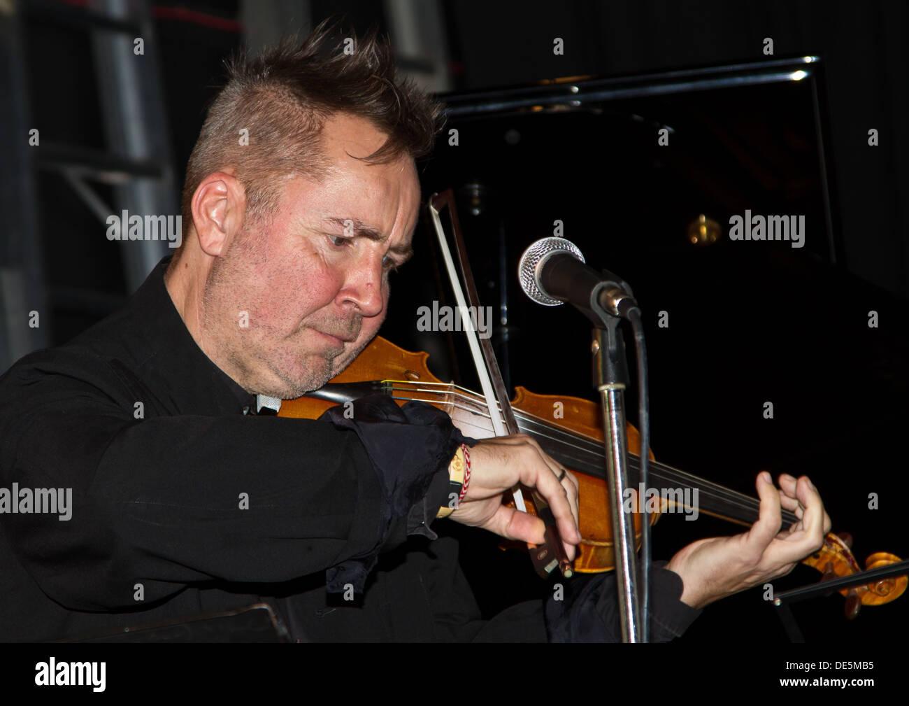 Violinist Nigel Kennedy Stock Photo: 60362041 - Alamy