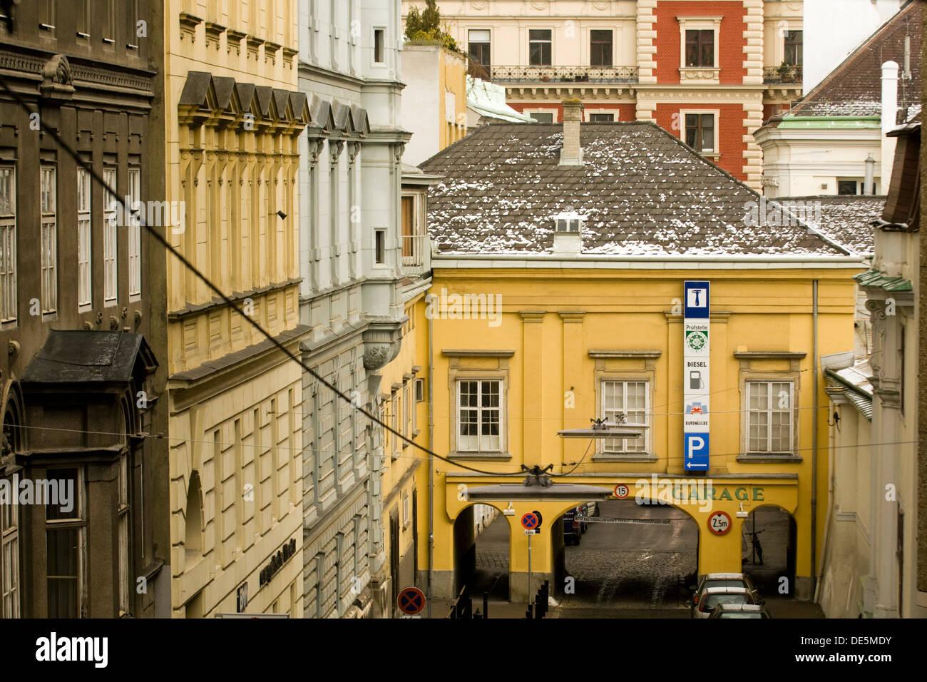 Österreich, Wien 8, Blick Von Der Lange Gasse In Die Trautsongasse   Stock  Image
