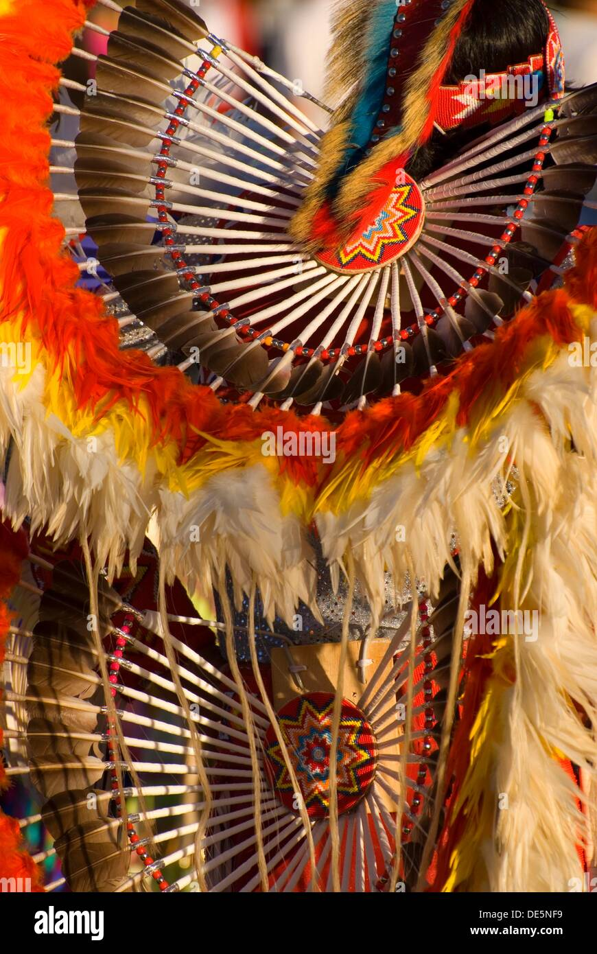 Native American regalia with feathers, Pi-Ume-Sha Treaty Days, Warm Springs Indian Reservation, OR - Stock Image