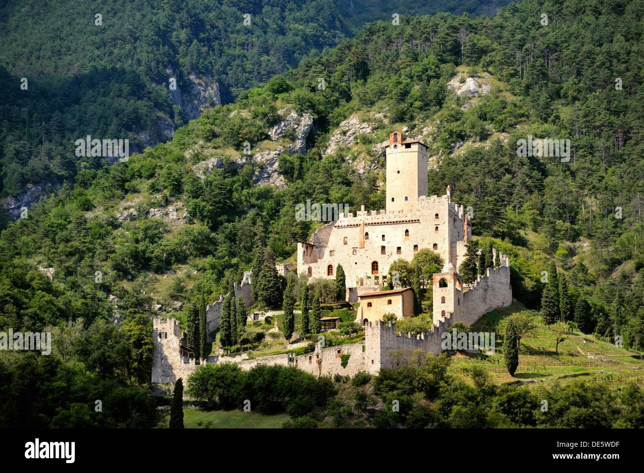 Castello di Sabbionara mediaeval castle at Avio in the Sud Tirol, Alto Adige, Trentino region of Italy - Stock Image
