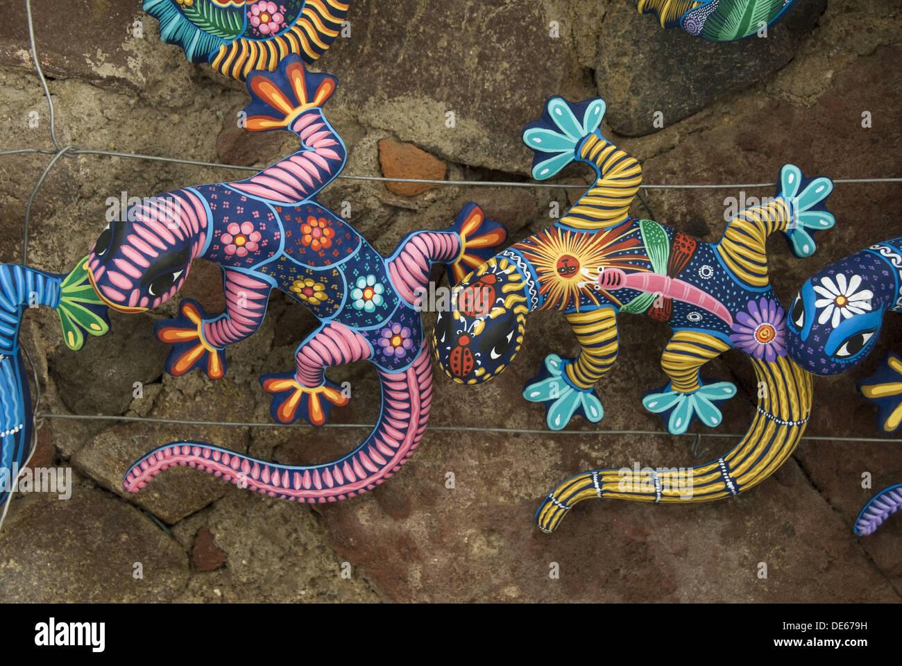 Colorful hand crafted geckos for sale, San Miguel de Allende, Guanajuato, Mexico - Stock Image