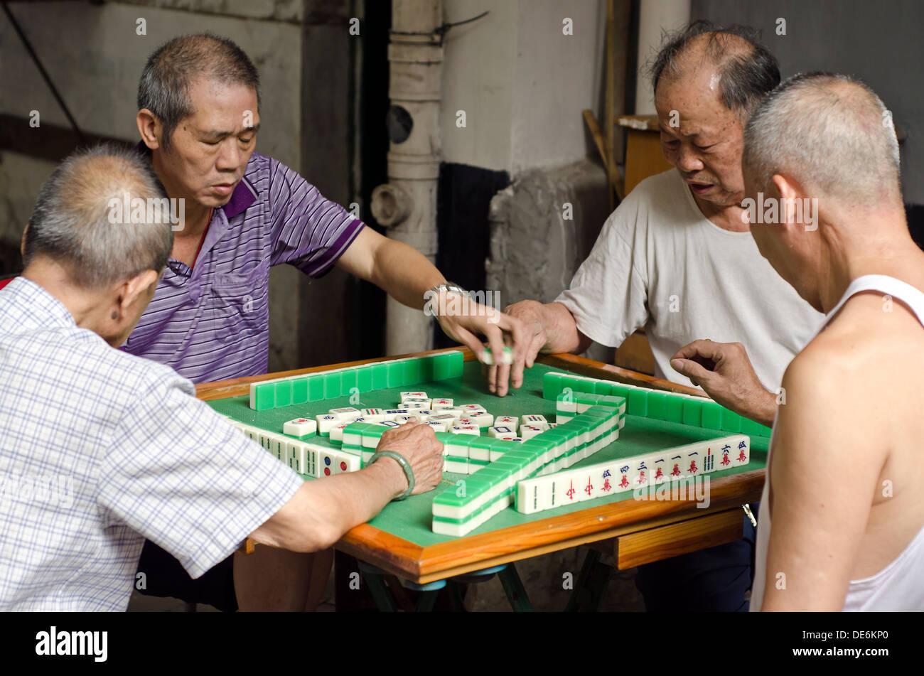 Playing Mahjong China Stock Photos & Playing Mahjong China
