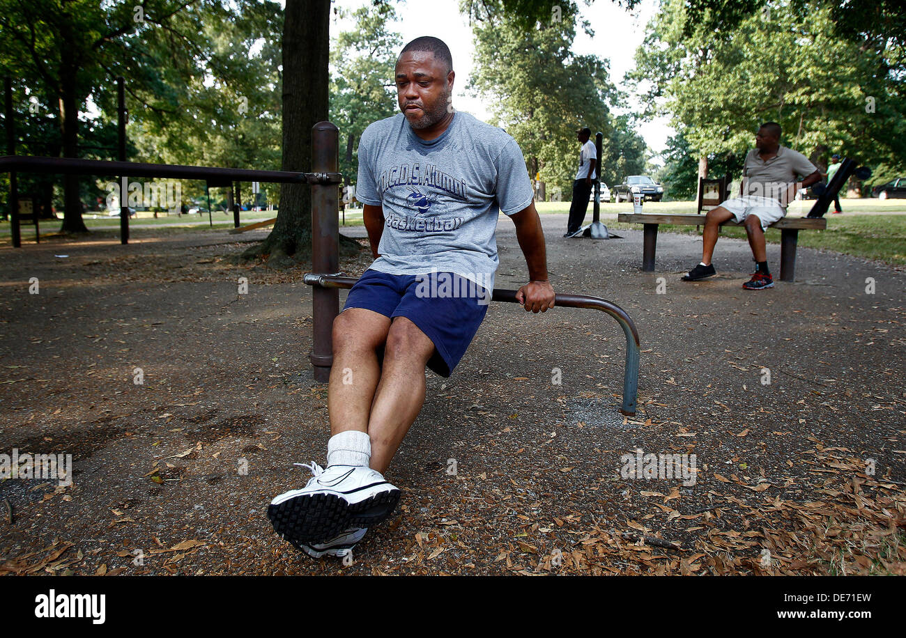 Sept. 11, 2013 - Memphis, Tenn, U.S. - September 11, 2013 - Donald Vaulx (cq) triceps dips while working out at Stock Photo