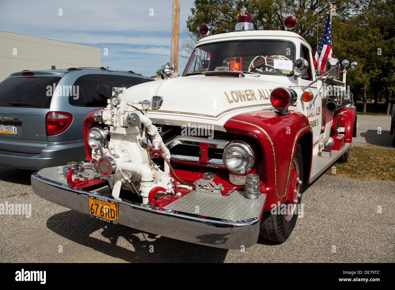 1955 ford f 600 vintage firetruck usa stock image