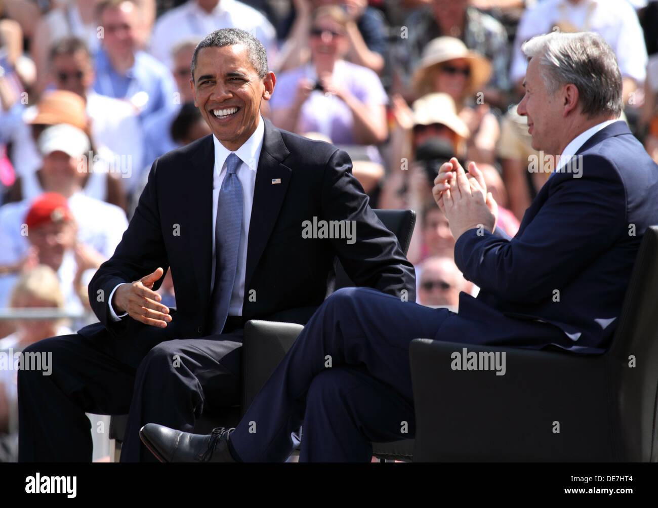 Berlin, Germany, U.S. President Barack Obama and the governing mayor Klaus Wowereit at the Brandenburg Gate Stock Photo