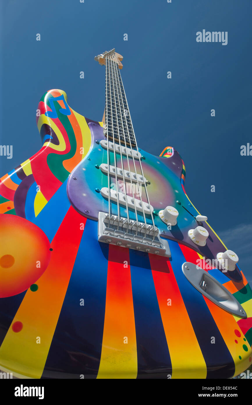 TIME WARP STRATOCASTER SCULPTURE (©PAT DOWNEY PETE GONZALES 2012) ROCK AND ROLL HALL OF FAME DOWNTOWN CLEVELAND OHIO USA - Stock Image