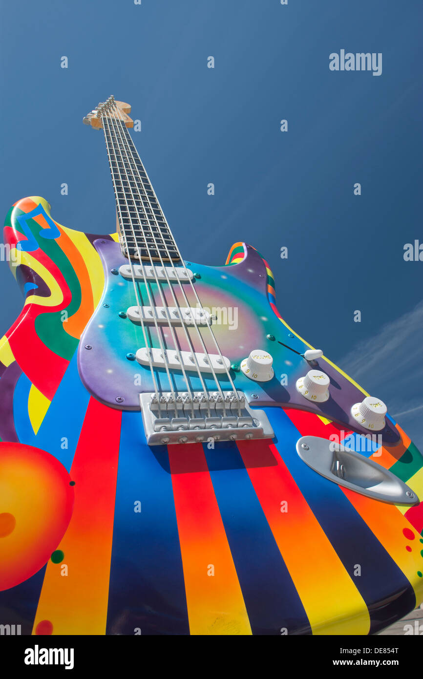TIME WARP STRATOCASTER SCULPTURE (©PAT DOWNEY PETE / GONZALES 2012) ROCK AND ROLL HALL OF FAME DOWNTOWN CLEVELAND OHIO USA - Stock Image