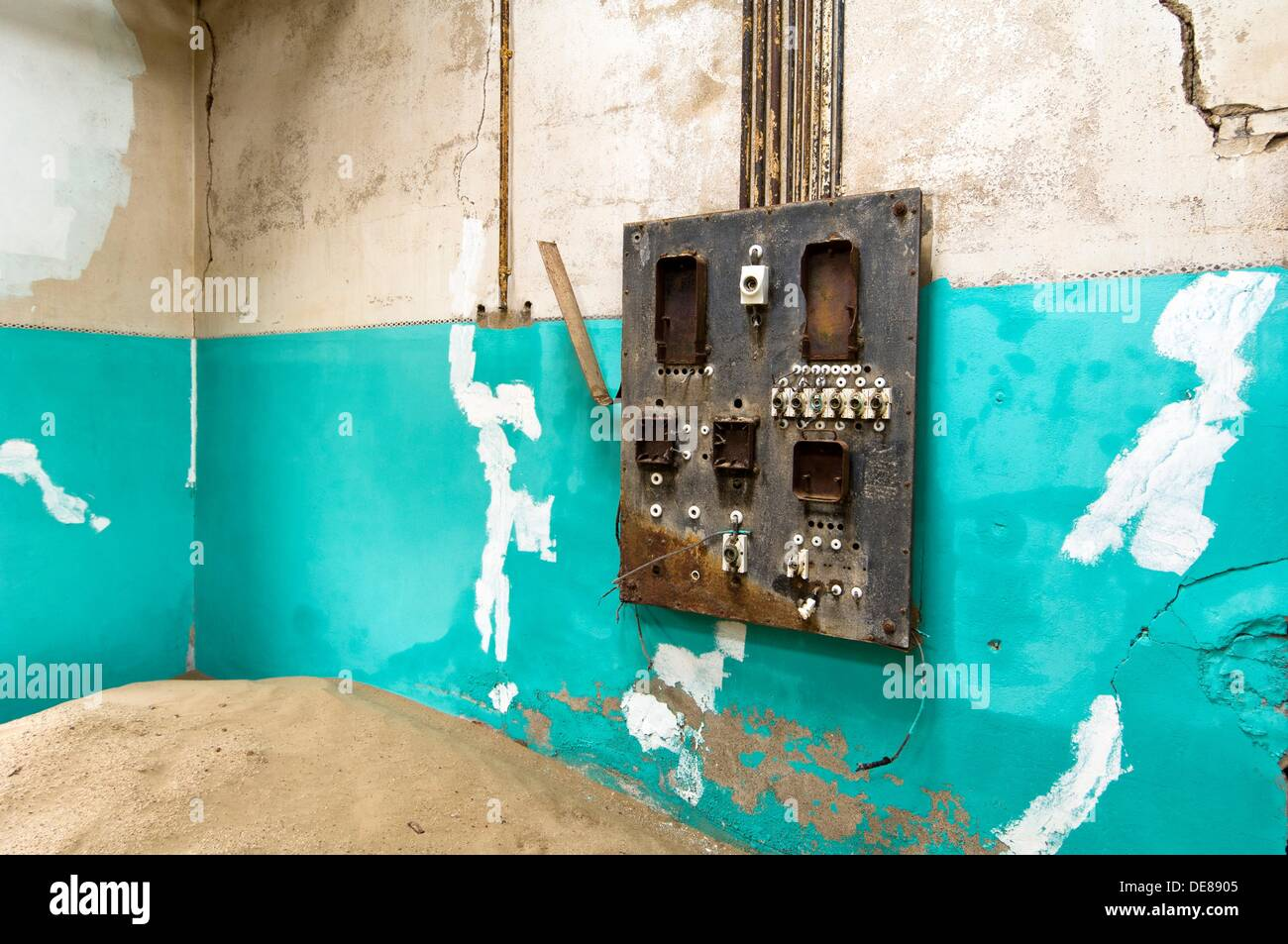 Fuse Box Wall | Wiring Diagram Old Fuse Box In House on