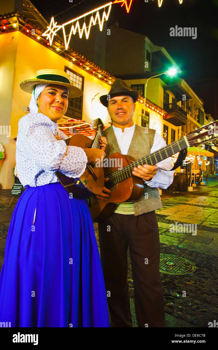Folk Group singing Christmas and traditionals songs  Puerto de la Cruz  Tenerife  Canary Islands  Spain. - Stock Image