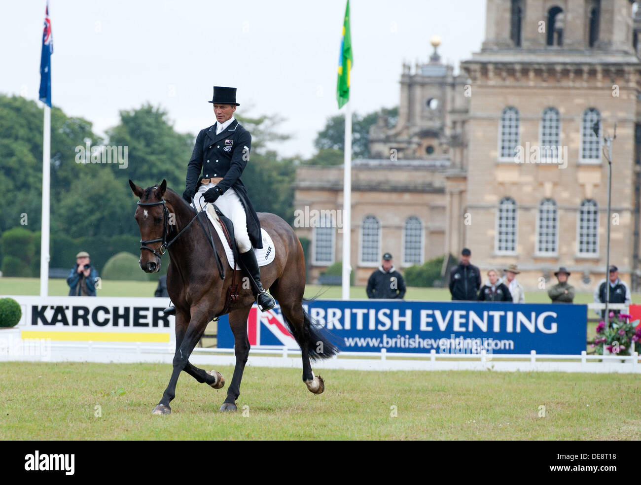 2013 Fidelity Blenheim Palace Horse Trials. Woodstock Oxford, England. Friday 13th September. Andrew Nicholson (NZL) with Viscount George  during the dressage phase CCI*** three day event Credit:  Julie Badrick/Alamy Live News - Stock Image