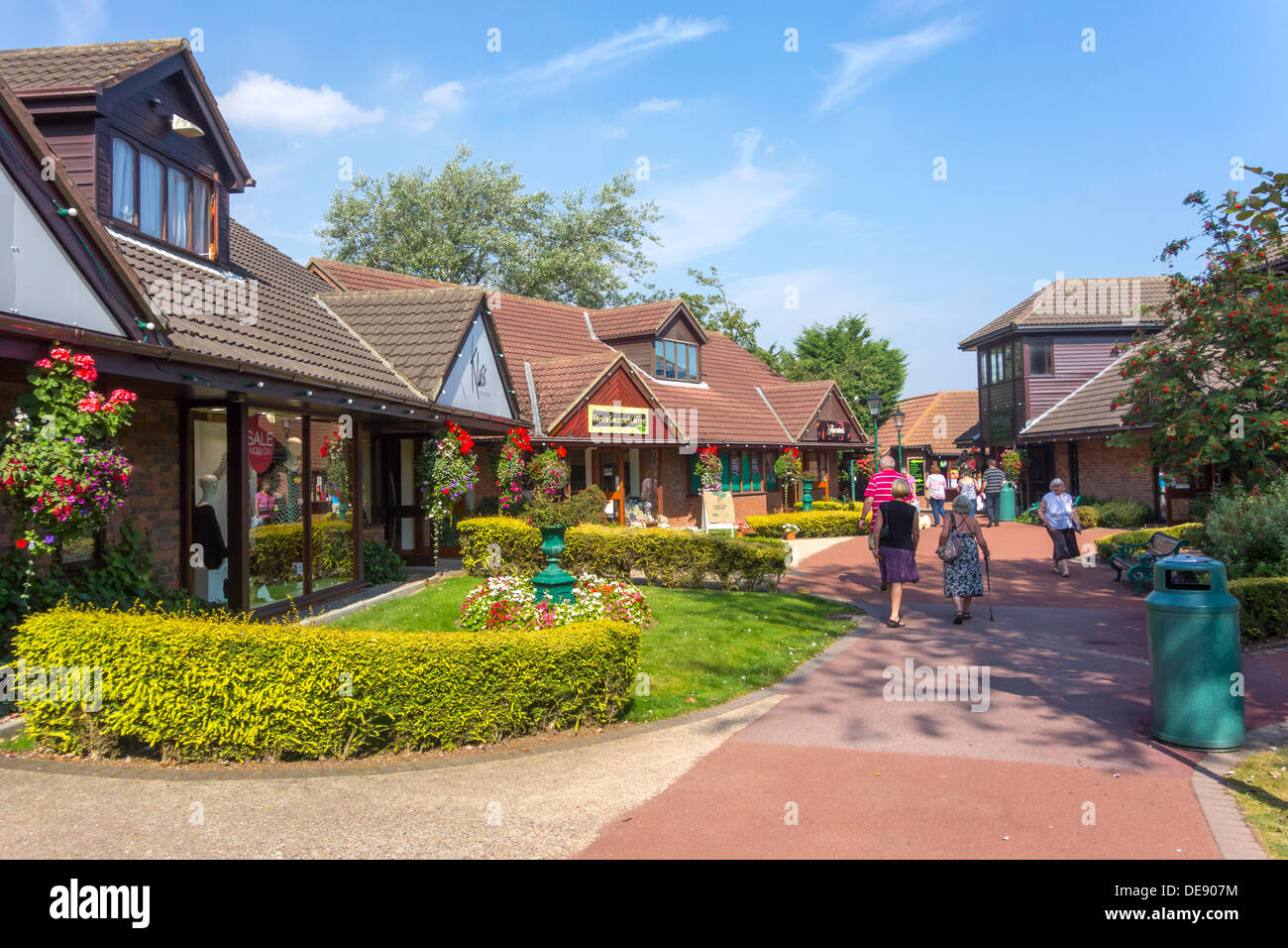 Hornsea Freeport a landscaped shopping mall with Factory Outlet shops on the site of the former Hornsea Pottery - Stock Image