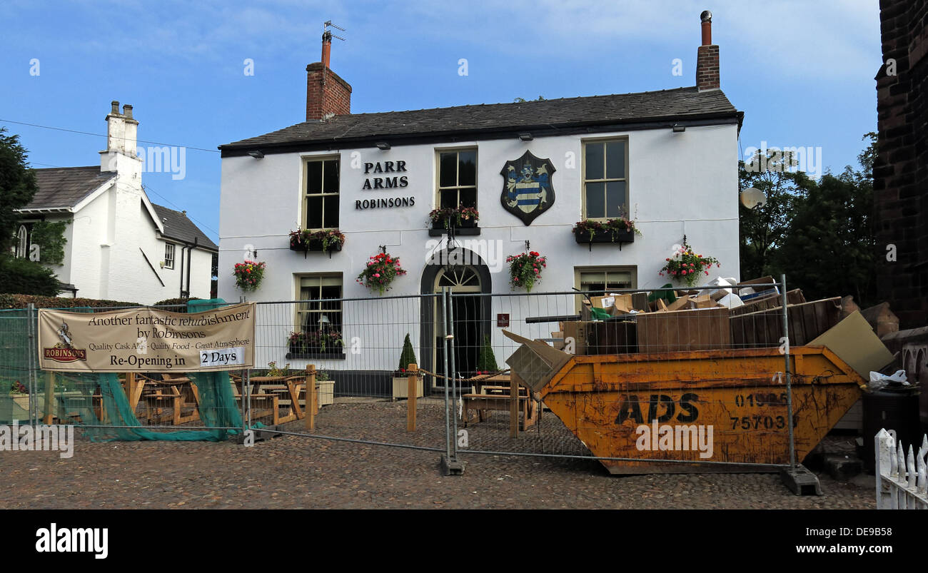 Refurbishment works at the Parr Arms, Grappenhall, Warrington by Frederick Robinson, Cheshire, UK - Stock Image