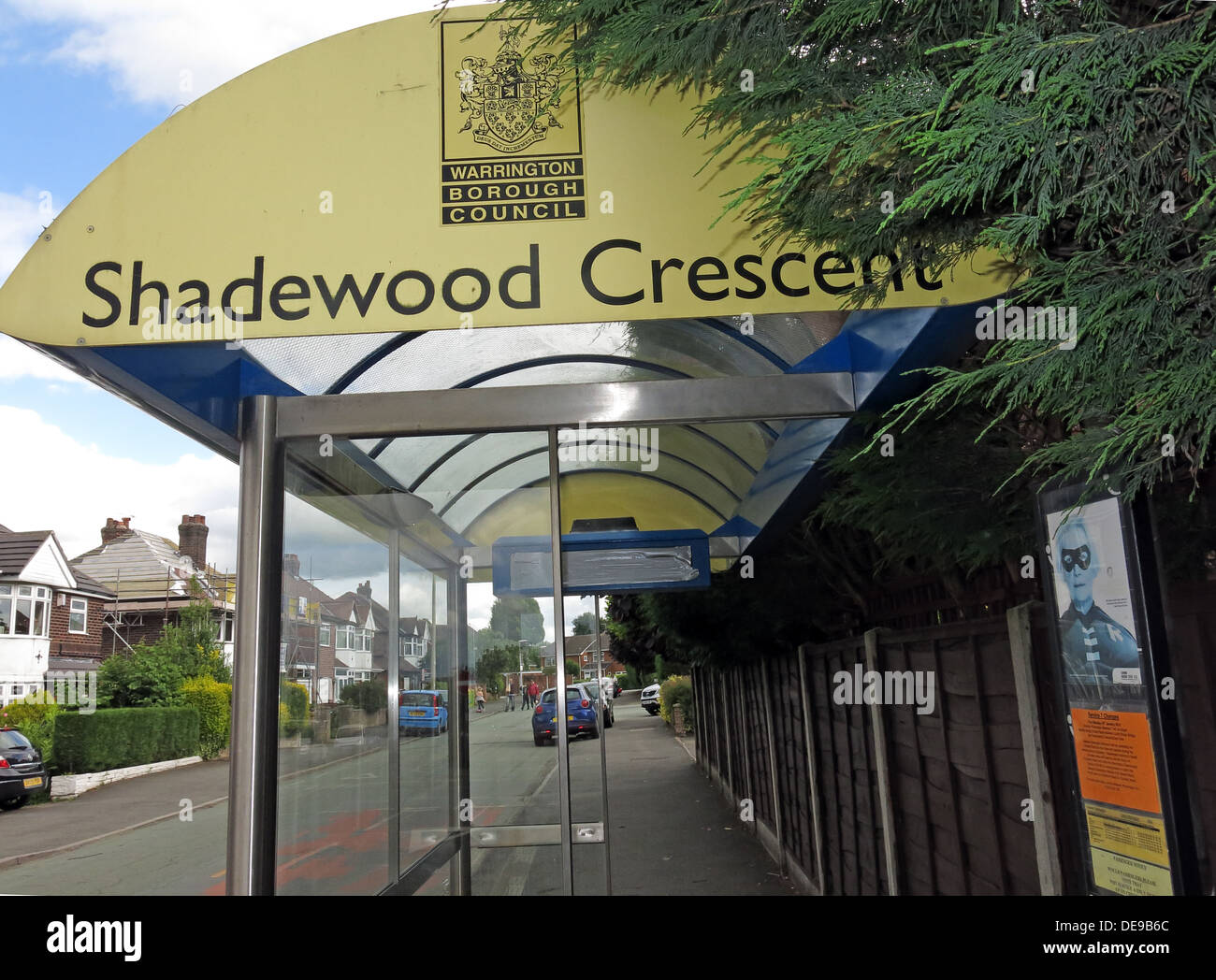 Shadewood Crescent Bus Shelter, Grappenhall, Warrington, Cheshire, England, UK - Stock Image