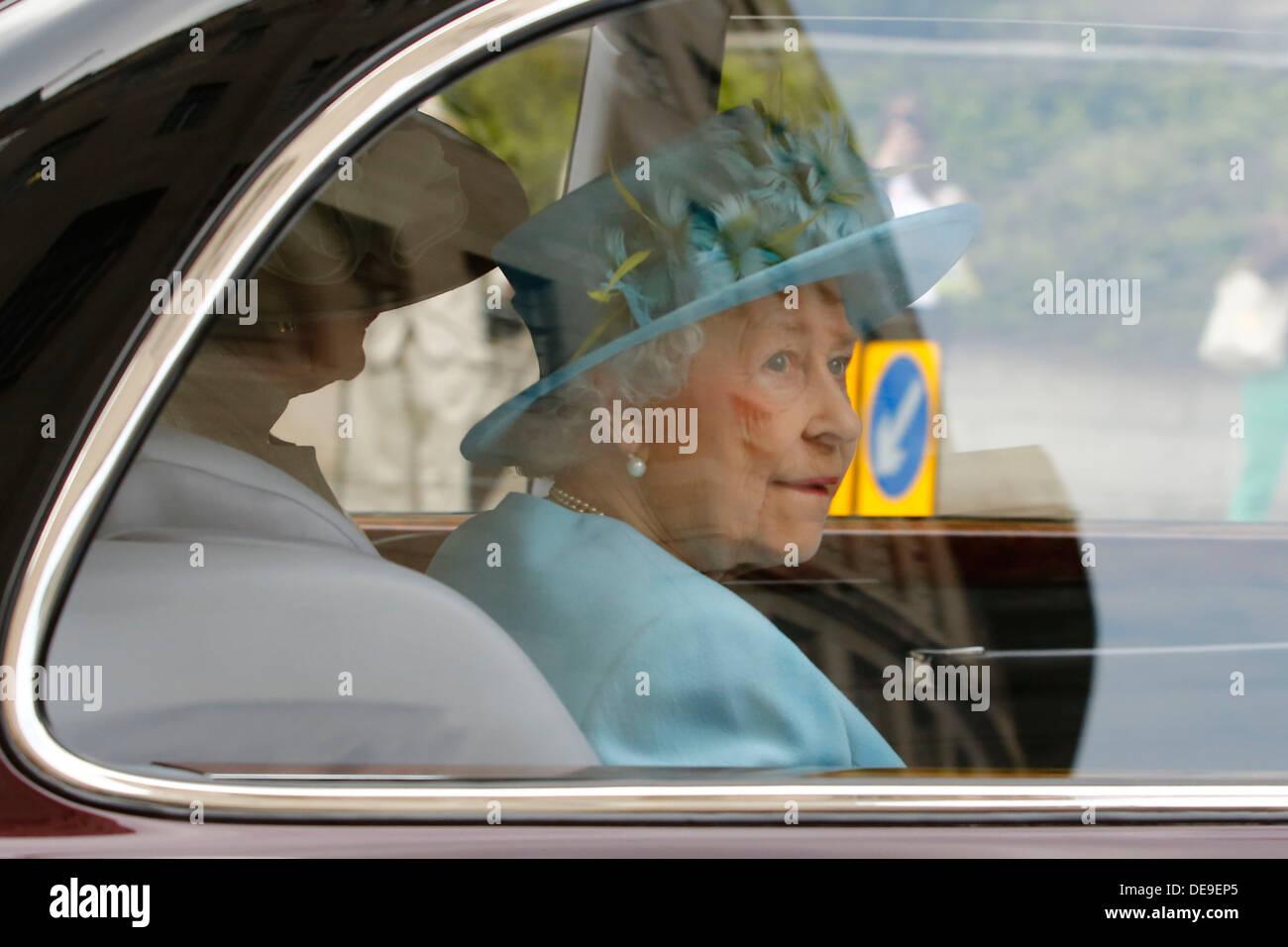 Britain's Queen Elizabeth II departs the new BBC Broadcasting House in London, Britain, 07 June 2013. - Stock Image