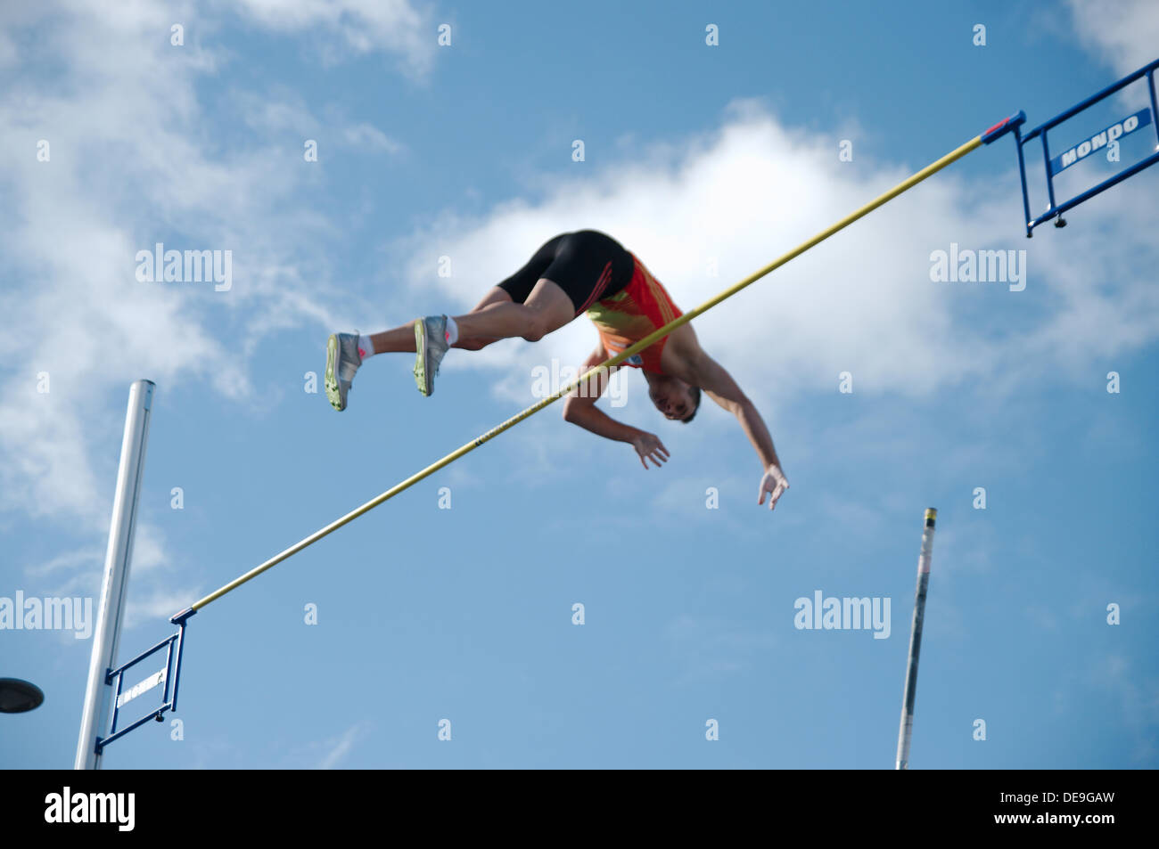 Gateshead, UK, 14 September 2013. Alexander Straub of Germany clearing the bar in the pole vault at the Great North City Games 2013. He finished in third place with this jump of 5.10m © Colin Edwards / Alamy Live News - Stock Image