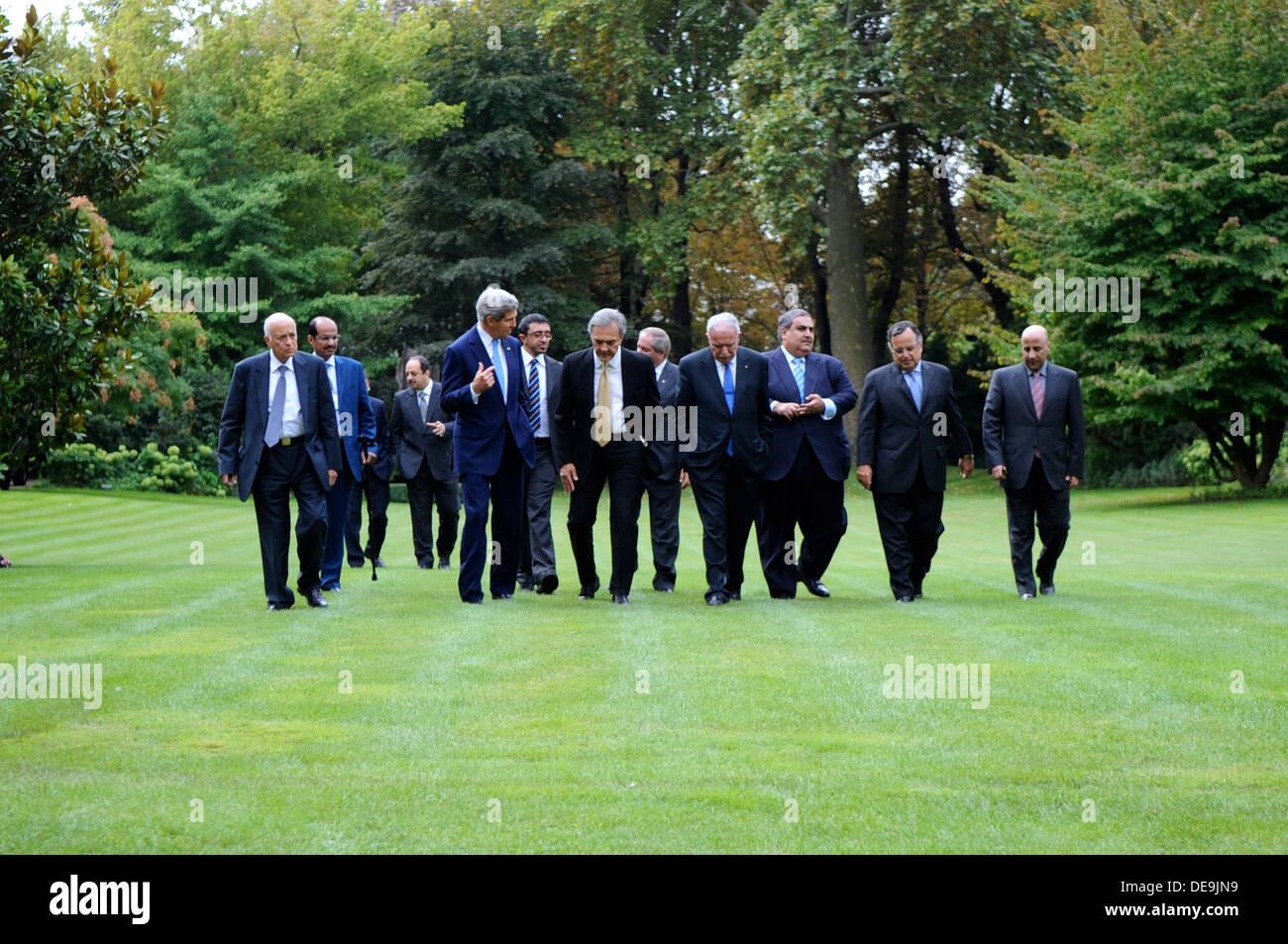 Secretary Kerry Walks With the Ministerial Delegation of the Arab Peace Initiative - Stock Image