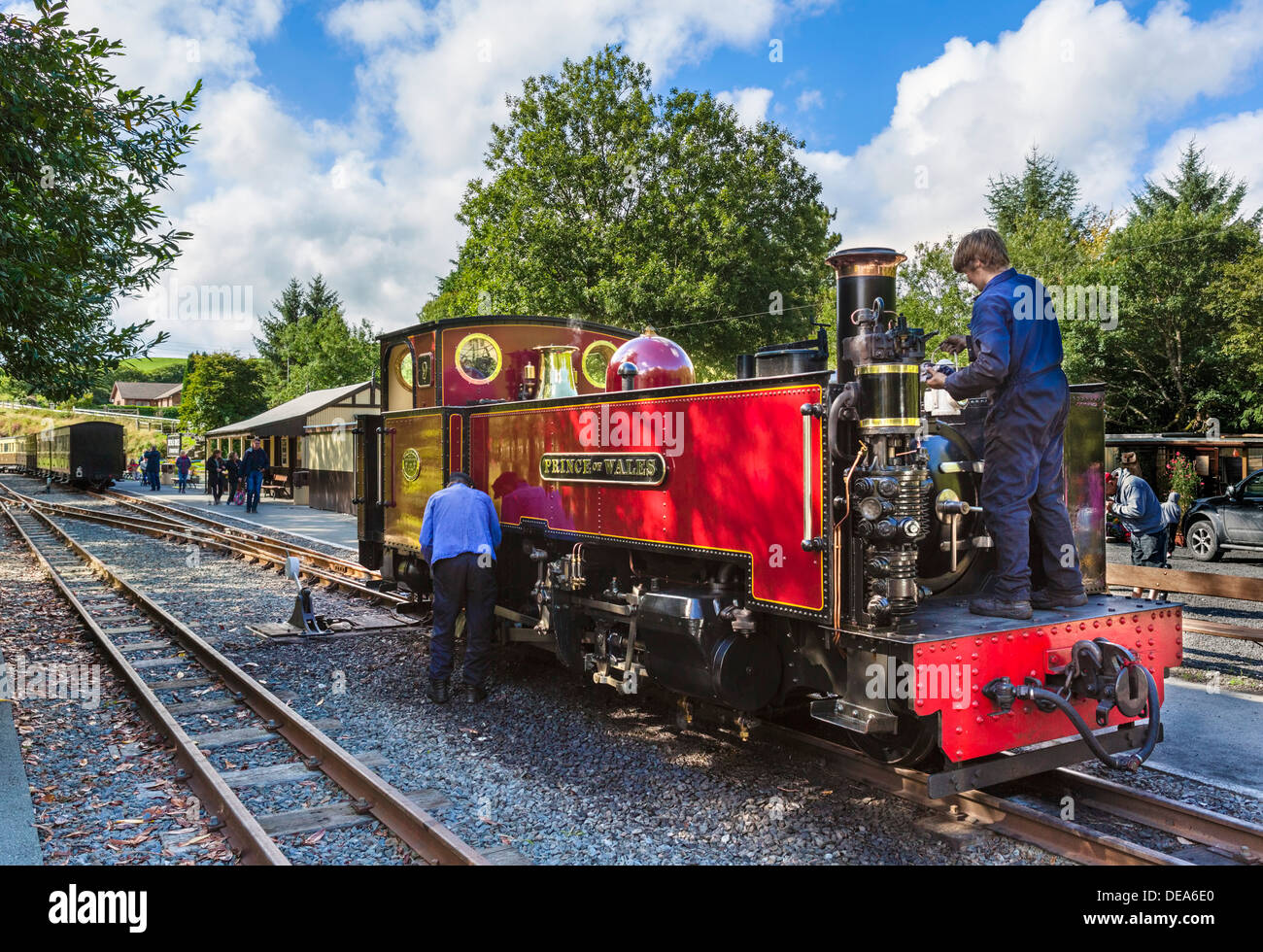 Men working on 'Prince of Wales' steam train at Devil's Bridge railway station, Vale of Rheidol Railway, Ceredigion, Wales, UK - Stock Image