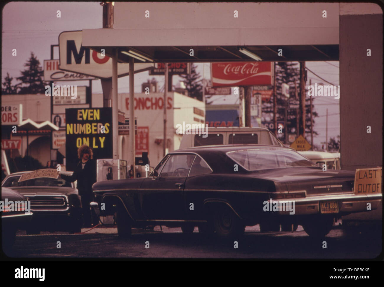 THE STATE OF OREGON WAS THE FIRST TO GO TO A SYSTEM OF ODD AND EVEN NUMBERS DURING THE GASOLINE CRISIS IN THE FALL 555489 - Stock Image