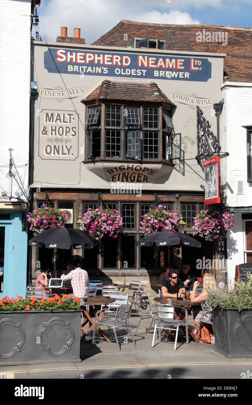 The 'Bishops Finger' public house in Canterbury, Kent, UK. - Stock Image