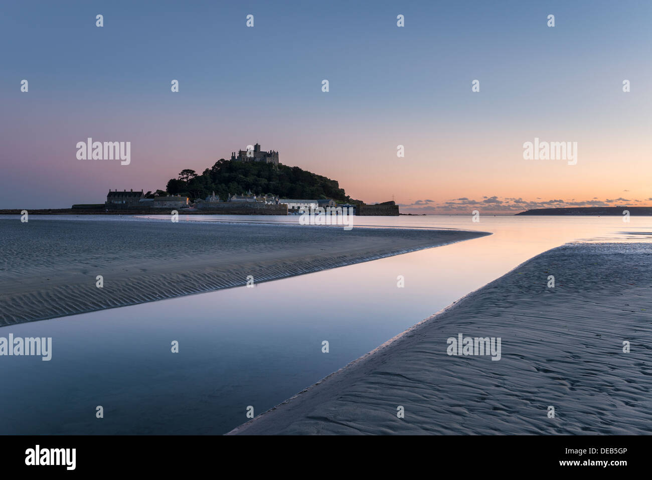 Dusk at St Michael's Mount off the shore at Marazion near Penzance in Cornwall - Stock Image