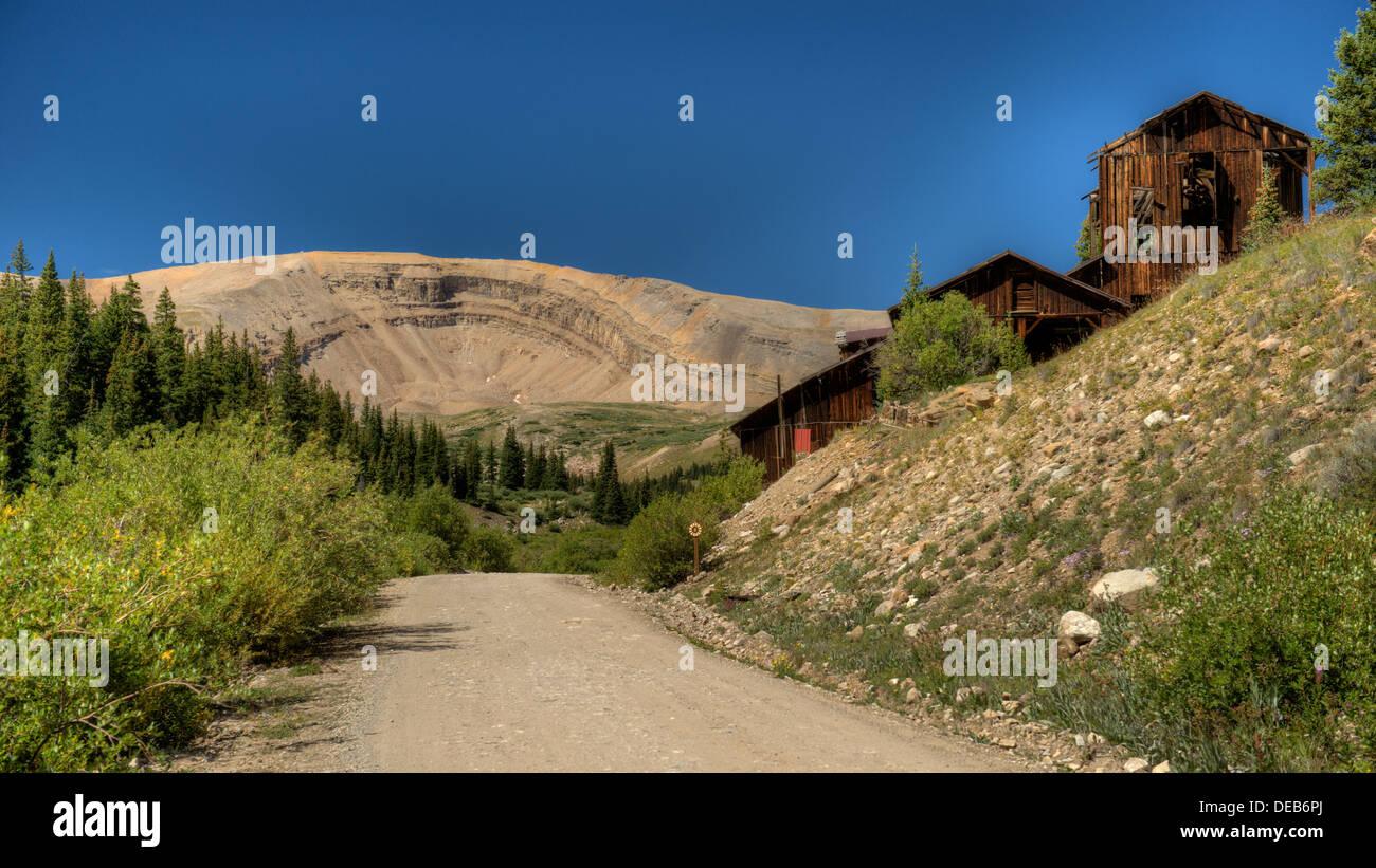 Horseshoe Mountain and the Leavick Mill in Fourmile Creek gulch near Fairplay, Colorado - Stock Image