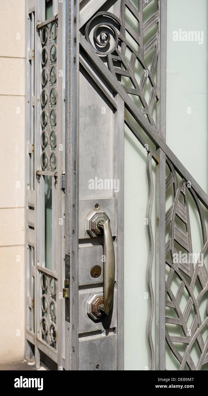 Art Deco openwork steel screen of decorative geometric design ...