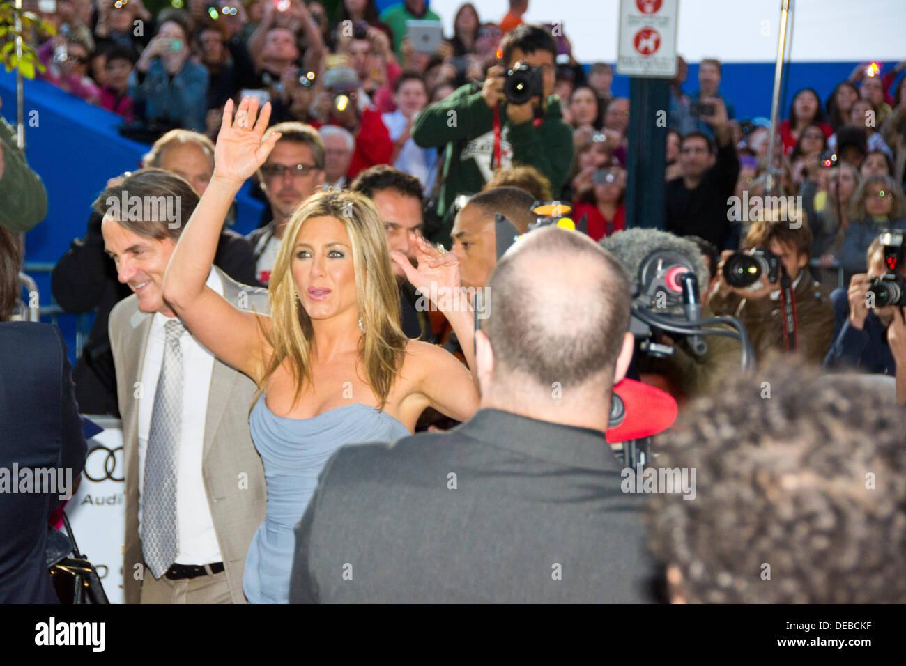 Jennifer Aniston Brad Pitt Stock Photos & Jennifer Aniston
