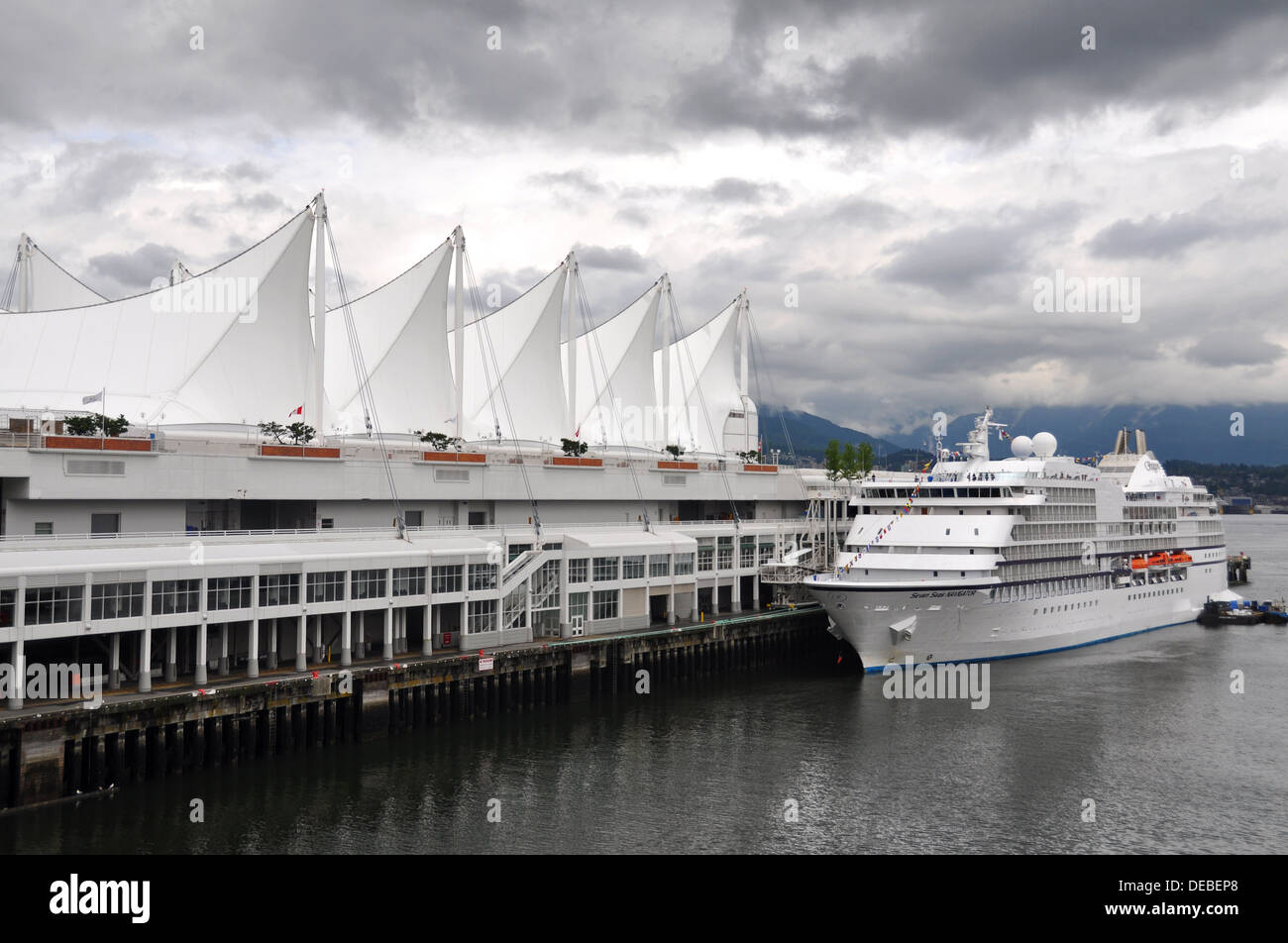 Cruise ship at Canada Place, Vancouver, British Columbia, Canada - Stock Image