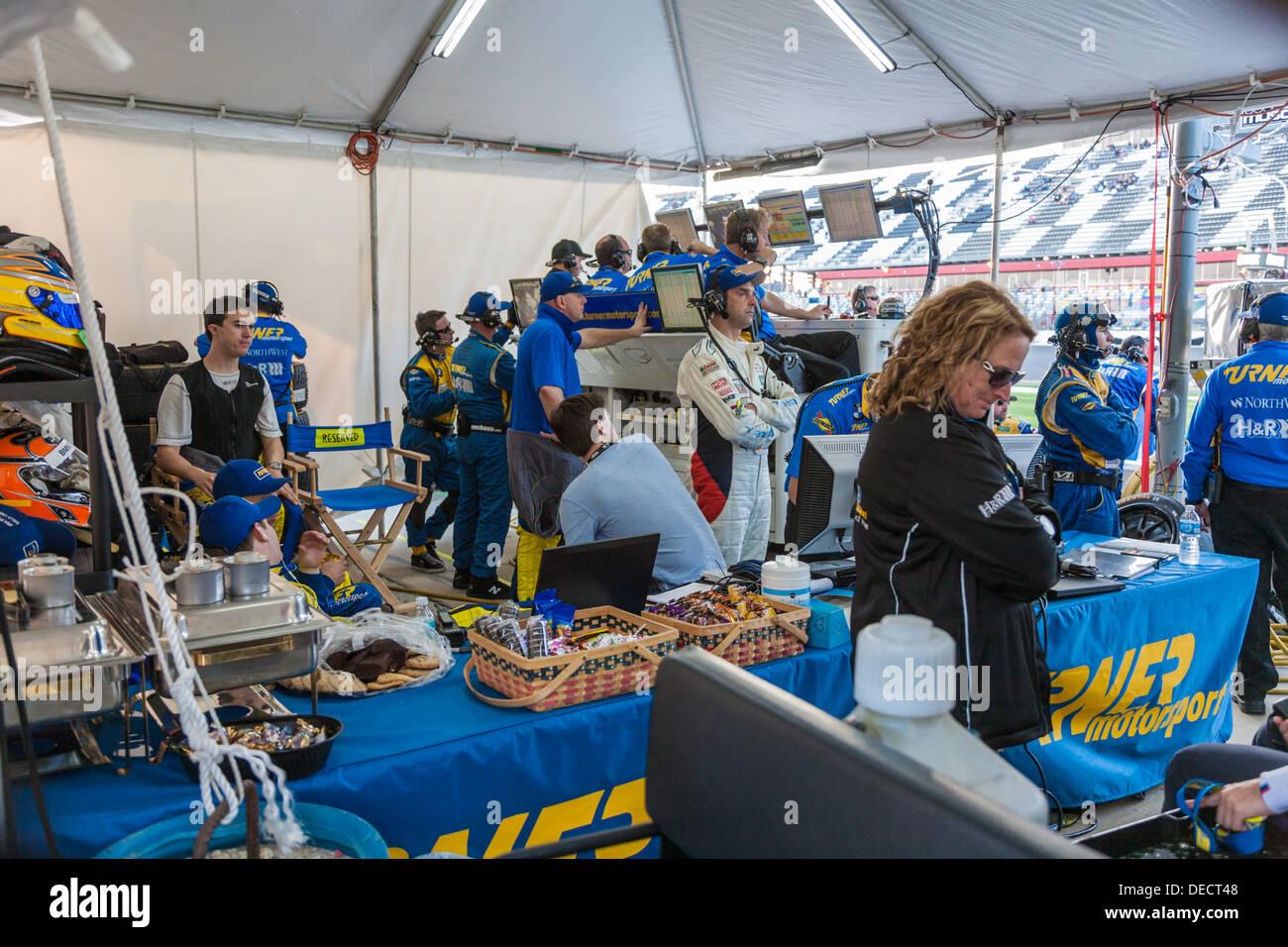Turner Motorsports pit crew at Daytona International Speedway during the 2012 Rolex 24 at Daytona, Florida - Stock Image
