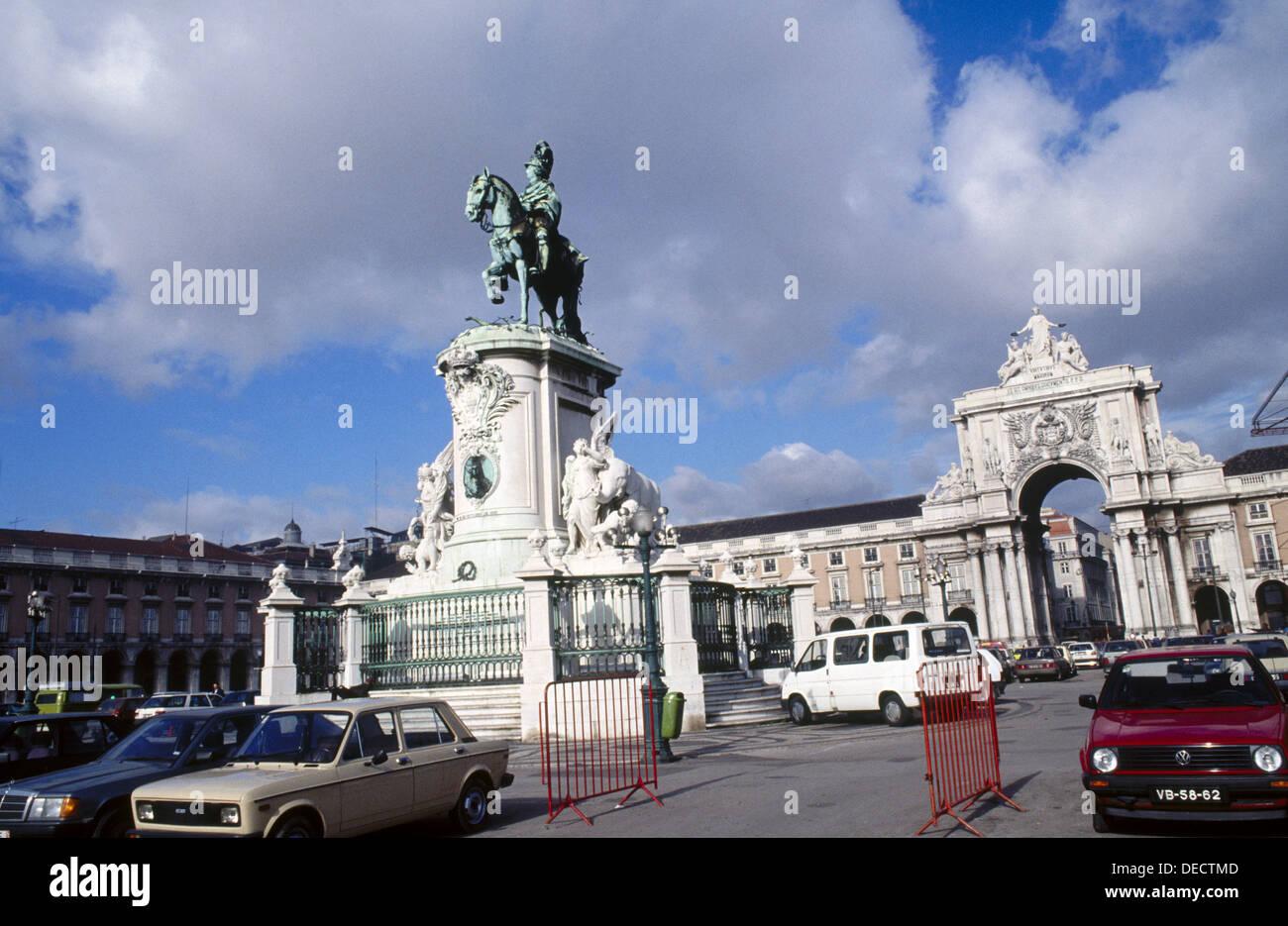 Triumphal Arch. Dom José I statue. Praça do Comércio. Lisbon. Portugal - Stock Image