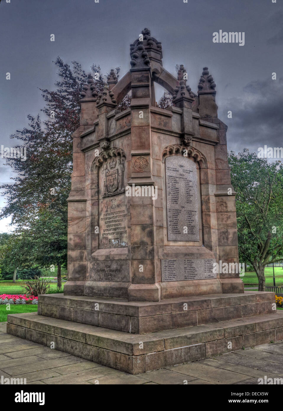 Dalkeith Park War Memorial, Kings Park, Midlothian, Edinburgh, Scotland, UK - Stock Image