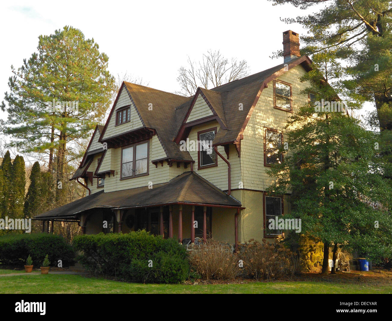 402 Midland Avenue, Wayne, Pennsylvania house designed by Price Brothers or Wil Price, plan 1890-D, according to NRHP nomination. At least 5 other versions of this house in the immediate neighborhood. Part of the South Wayne Historic District. - Stock Image