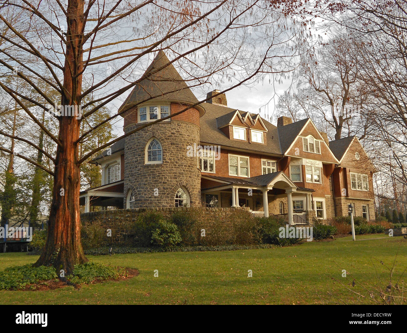 House at 319 Louella Street, Wayne, Pennsylvania in the south Wayne Historic District. Designed by Horace Trumbauer according to the NRHP nomination. There are 10-12 houses on Louella that make it the most impressive street in a very impressive historic d - Stock Image