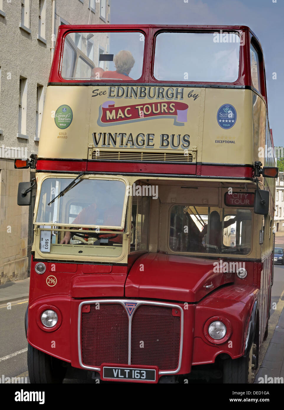 Edinburgh vintage routemaster tour bus Royal mile High st Edinburgh Scotland UK - Stock Image