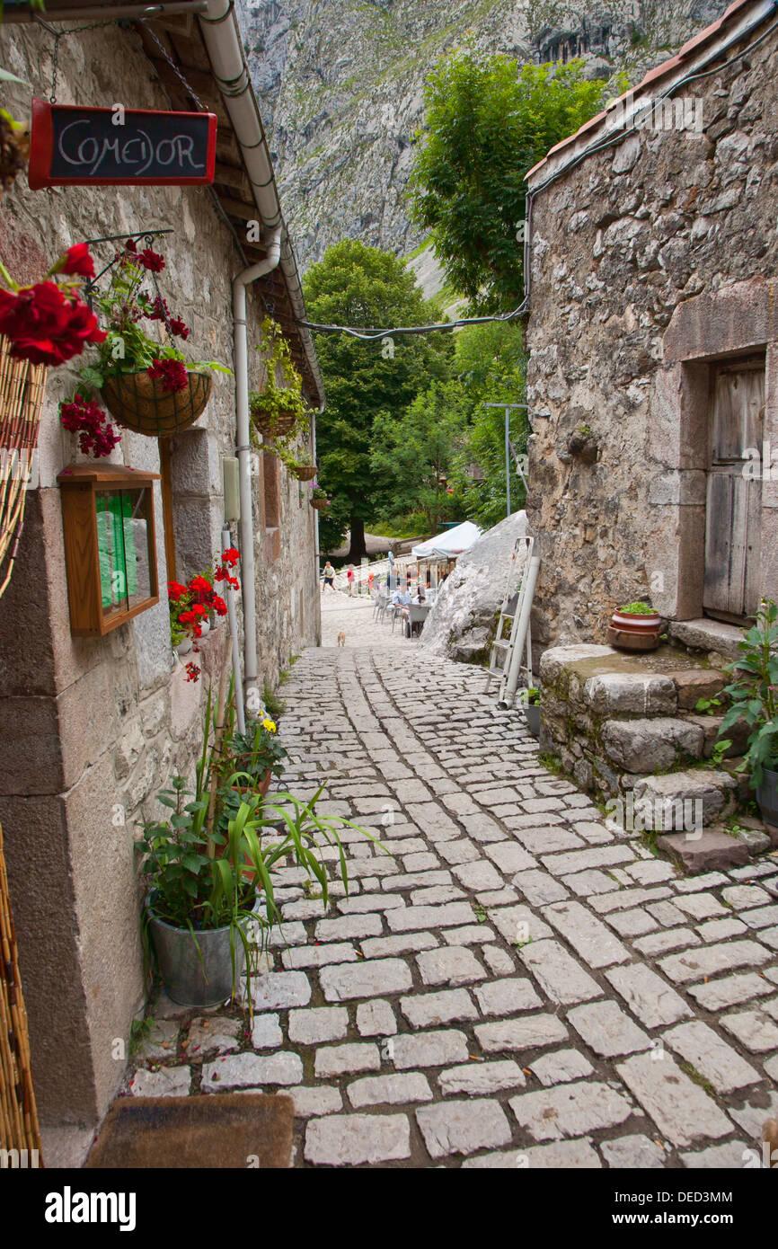Bulnes. Cabrales council. Picos de Europa. Oriente region. Asturias. Spain. - Stock Image