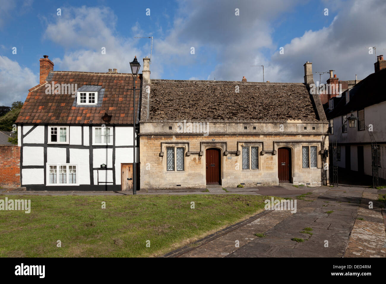 Cottages near the Church of St John the Baptist, Devizes, Wiltshire, England - Stock Image