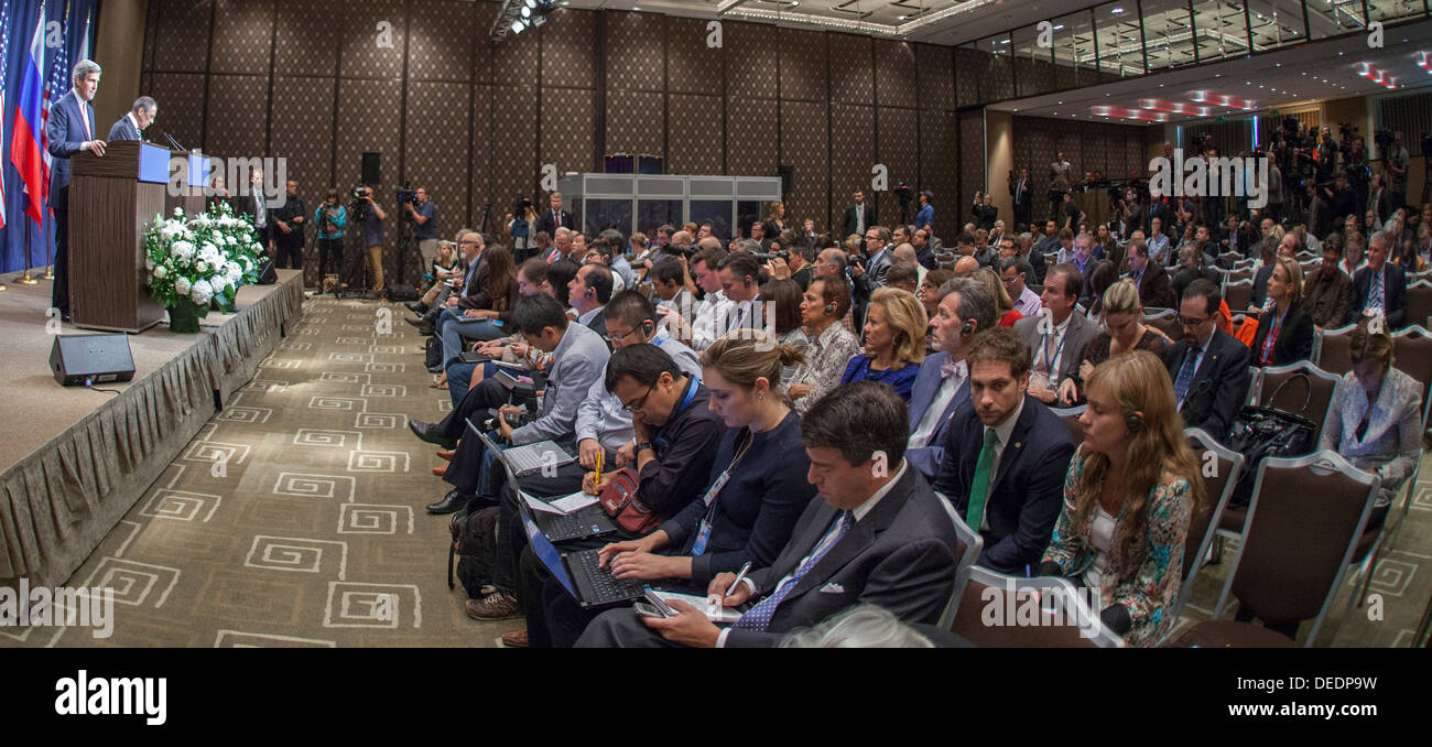 Secretary Kerry and Foreign Minister Lavrov Speak to the Press - Stock Image
