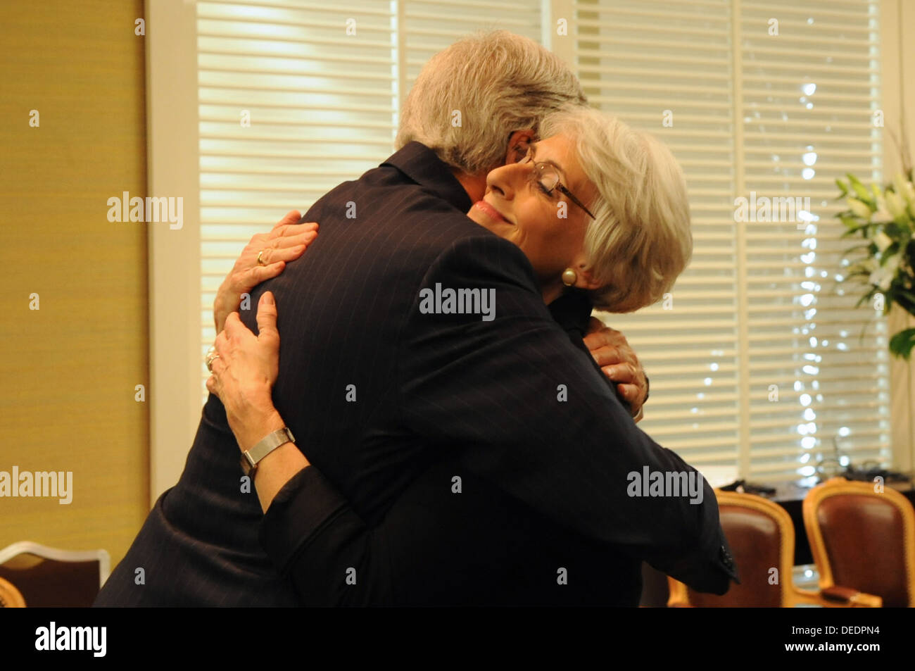 Secretary Kerry Singles Out Undersecretary Sherman for Praise - Stock Image
