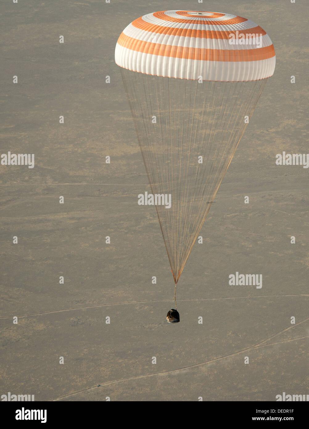 Expedition 36 Soyuz TMA-08M Landing - Stock Image