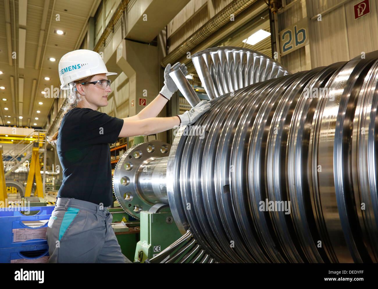 Mülheim an der Ruhr, Germany, collaborative engineers, training at Siemens Energy Mulheim Stock Photo