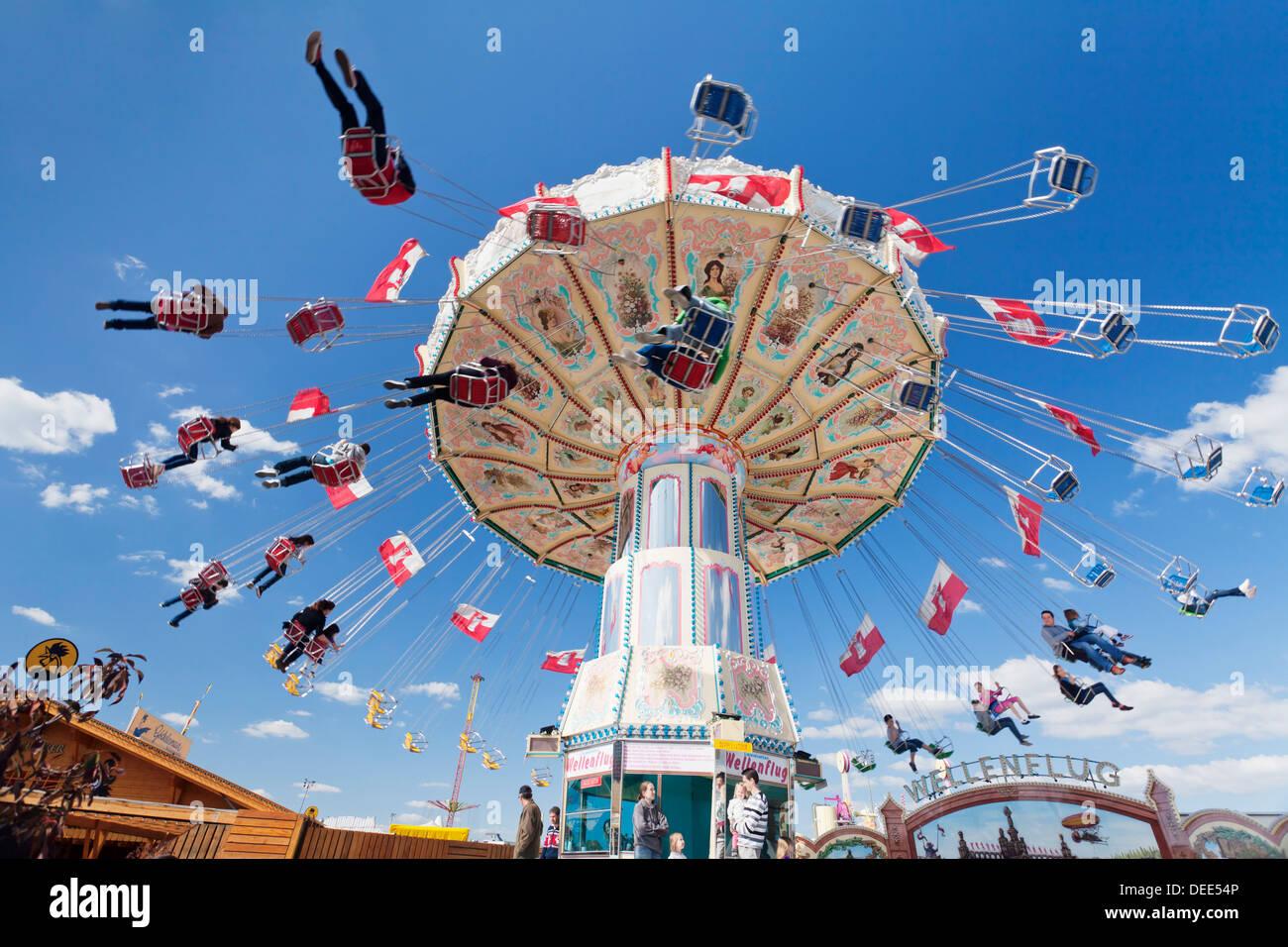 Swing carousel, Cannstatter Wasen (Volksfest), Stuttgart, Baden Wuerttemberg, Germany, Europe - Stock Image