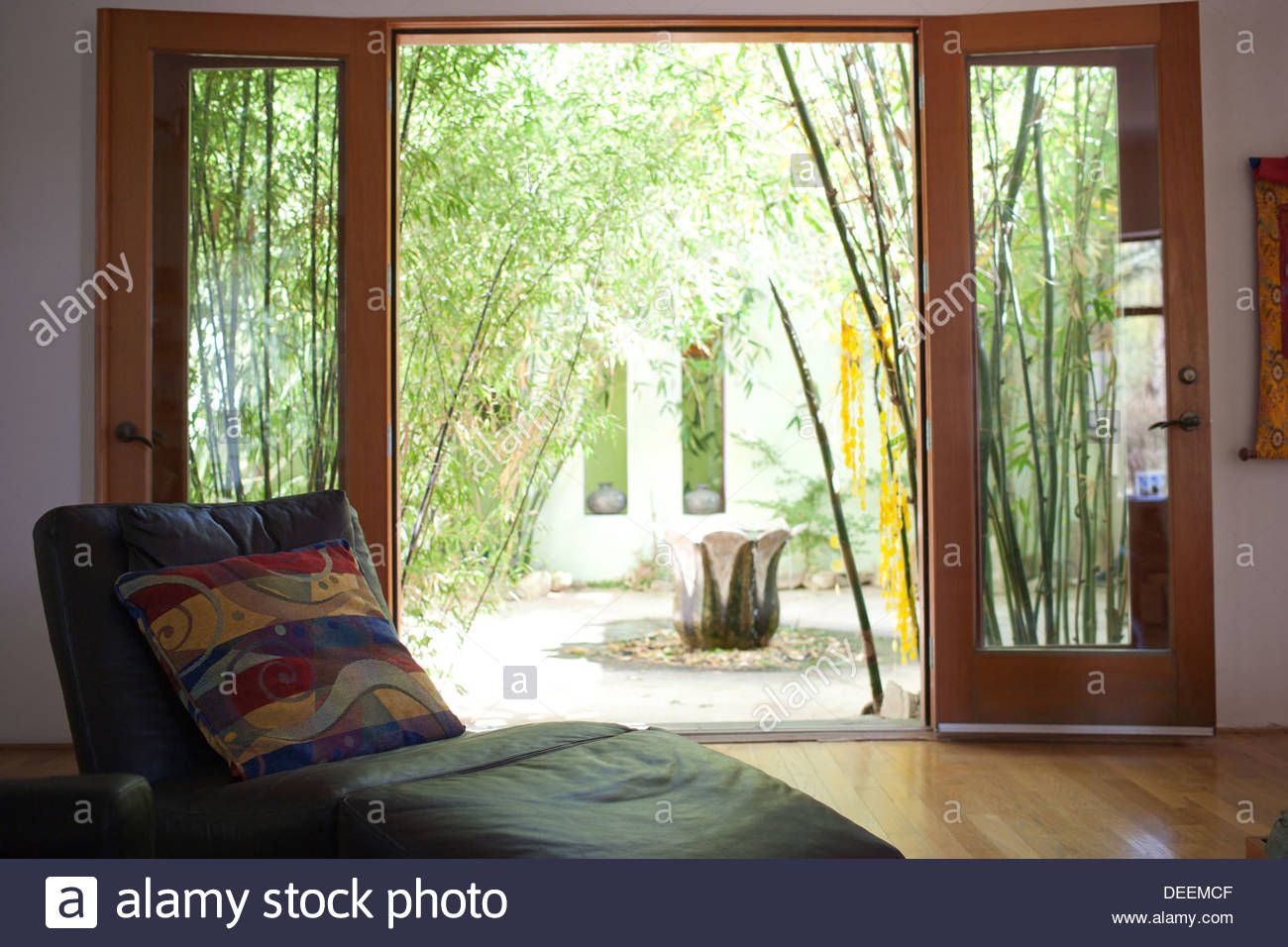 Courtyard with bamboo - Stock Image