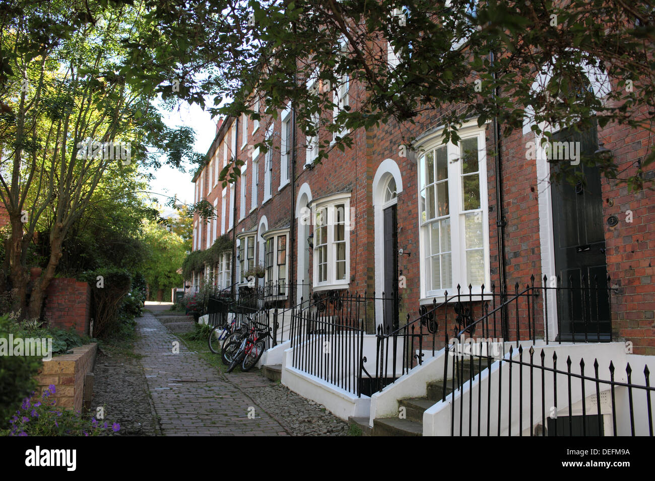 Bedford Terrace, an early nineteenth century terrace of houses in the centre of Tunbridge Wells, Kent. Grade II listed buildings - Stock Image