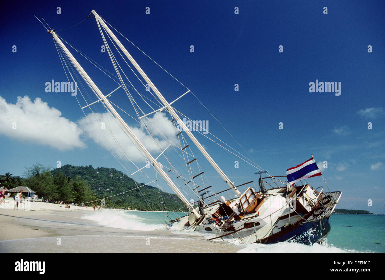 Sailboat Wrecked Stock Photos & Sailboat Wrecked Stock ...