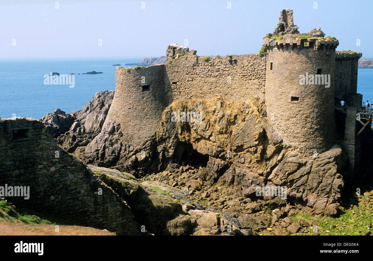 Mentioned for the first time in 1356, a castle is built on a rocky islet south of the island, separated by a large ditch which - Stock Image