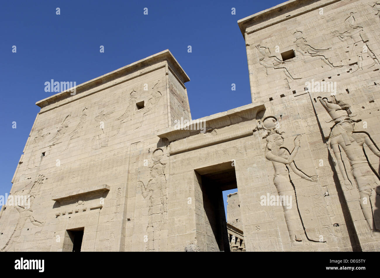 Philae´s temple complex was moved, piece by piece, to Agilkai Island, 550 meters away, where it was reassembled and remains - Stock Image