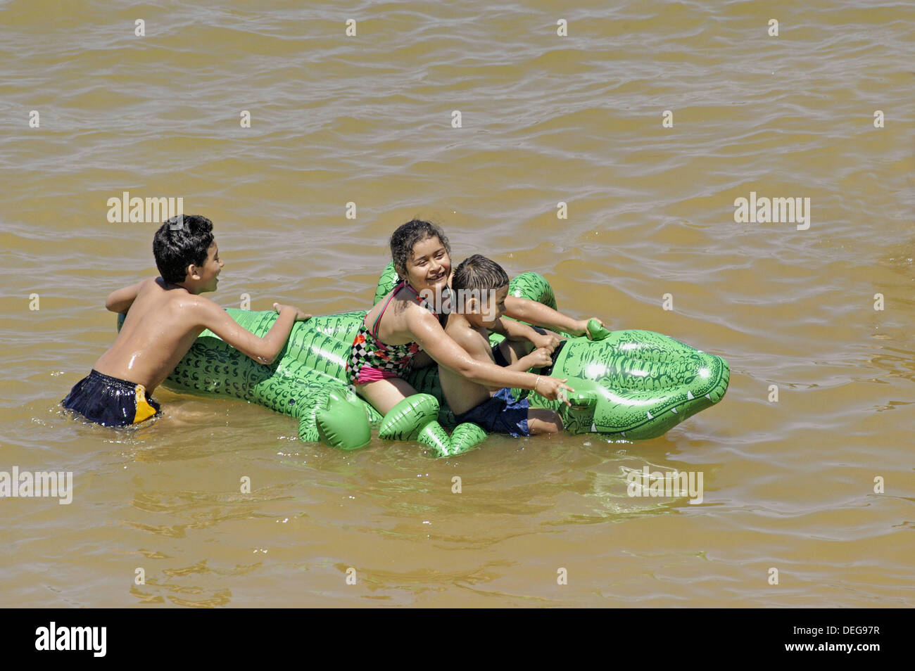 Family time at the Carters Lake beaches in mountains of GA during summer - Stock Image