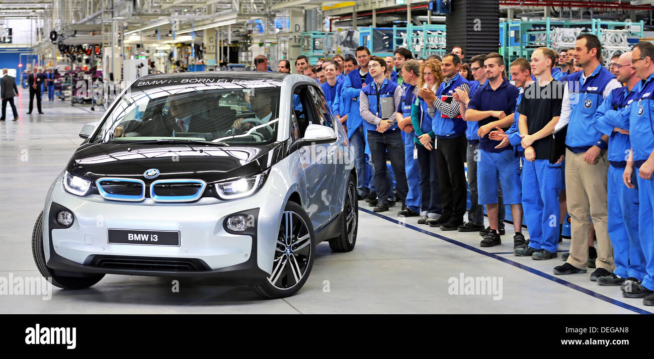 Employees Of Bmw Celebrate The Production Launch Of Electric Car I3